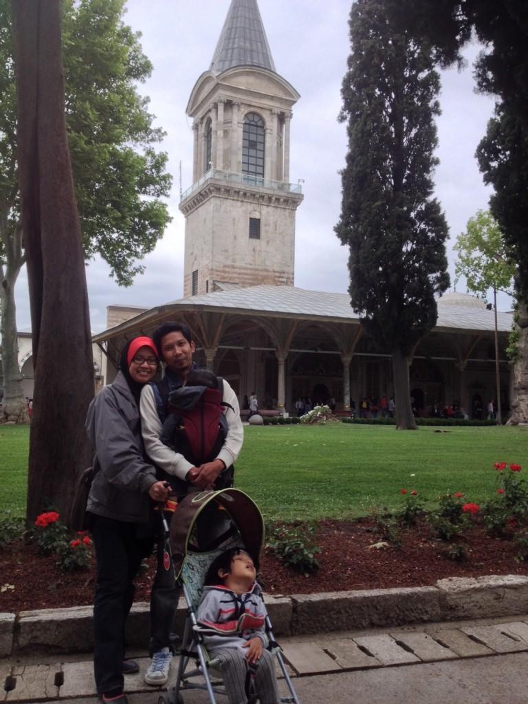 Travel luar negara bersama bayi dan anak