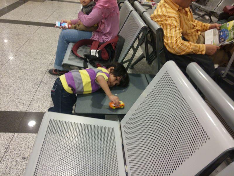 Tips travel luar negara bersama bayi dan kanak-kanakTips travel luar negara bersama bayi dan kanak-kanak